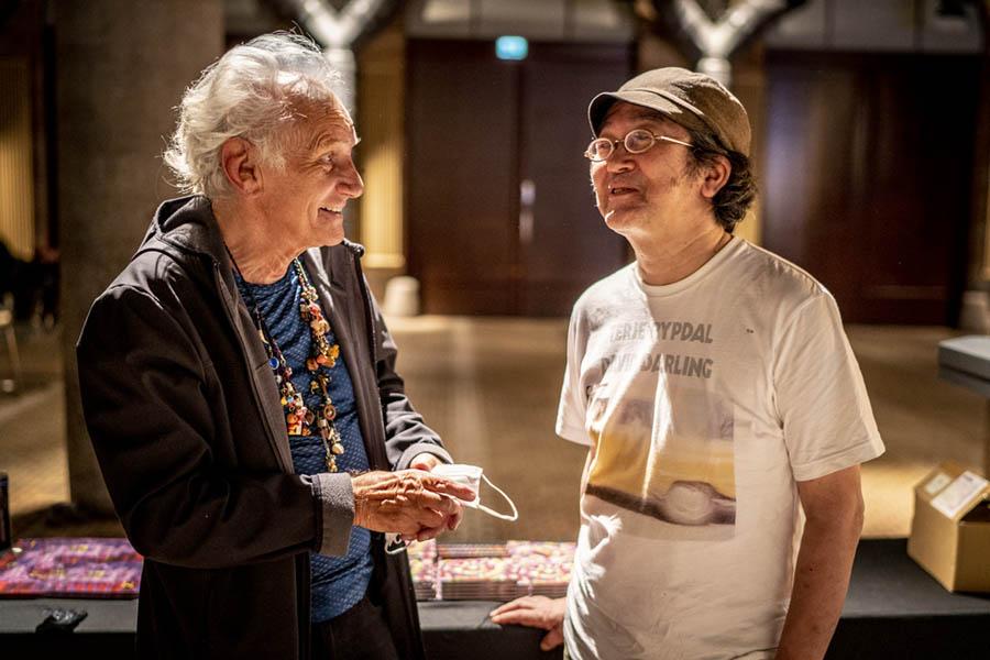 Mani Neumeier / Kazuhisa Uchihashi - Pressefoto Schindelbeck